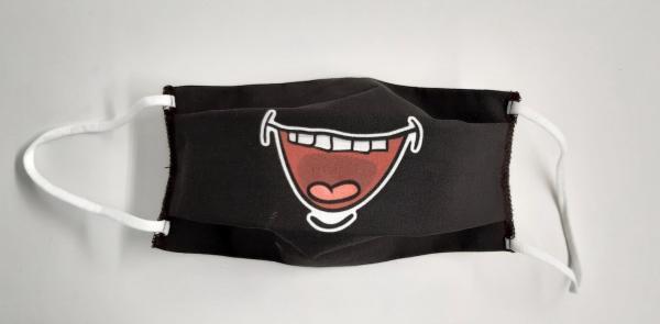 Masque noir bouche ouverte